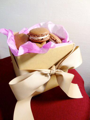 Chocolate Bailey's Macaron 1